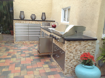 Outdoor Kitchen w/ SmokinTex electric smoker