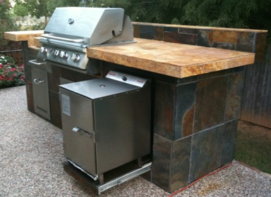SmokinTex electric smoker built-in slideout